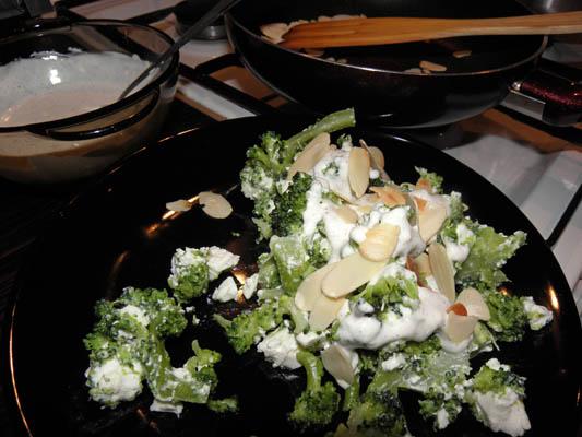 salatka z feta i brokulami