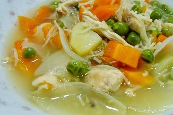 Sopa de Legumes com Aletria