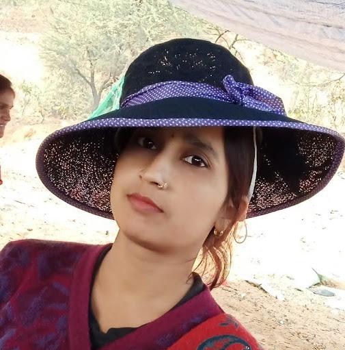 Gayatri Pal Photo 14