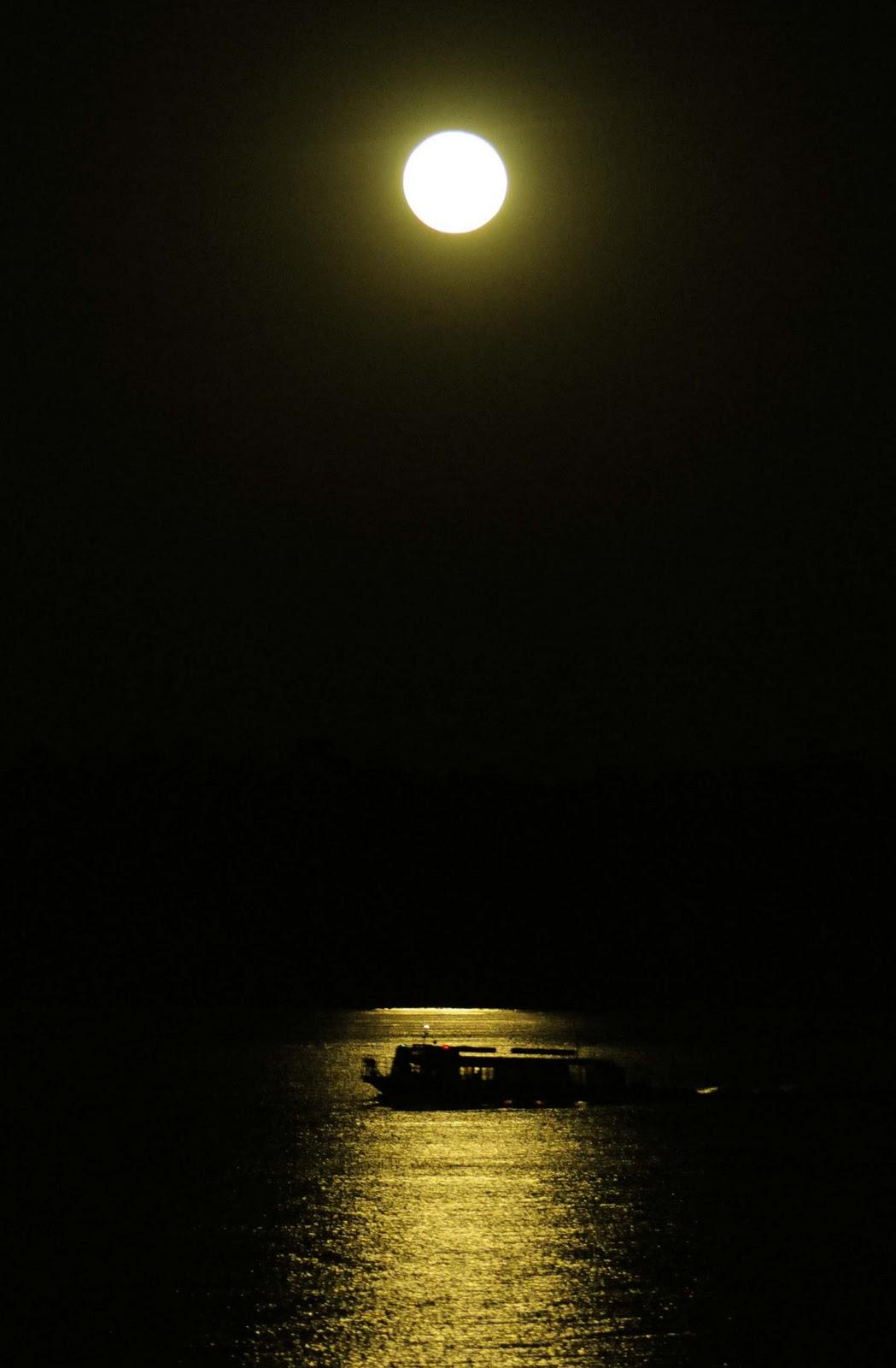 Resultado de imagem para psol nasce lua se poe