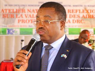 Cosma Wilungula, Directeur Général de l'ICCN lors de l'atelier de réflexion sur la valorisation des aires protégées de la RDC le 06/11/2014 à Kinshasa. Radio Okapi/Ph. John Bompengo