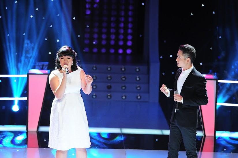 Âu Bảo Ngân và Đỗ Thành Nam trên sân khấu The Voice