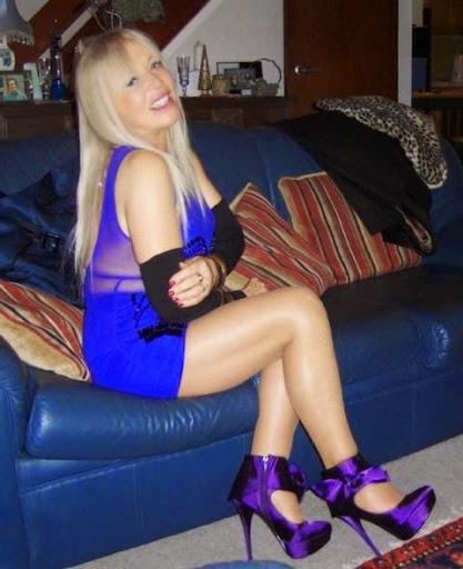 英國73歲「美魔女」短裙搭網襪性感爆表