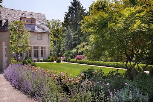 Landscaper Columbus OH | Dean Landscape Construction at 3977 Henderson Rd, Columbus, OH