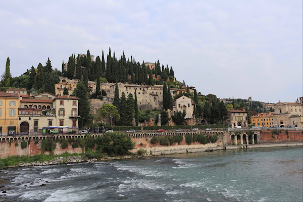 Ponte Pietra, Via Ponte Pietra, 34, 37121 Verona VR, Italy