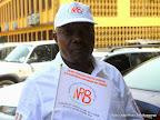 Un agent de l'Institut national de recherche biomédicale (INRB) lors des préparatifs de la célébration du 30eme anniversaire de cette institution le 11/11/2014 à Kinshasa. Radio Okapi/Ph. John Bompengo