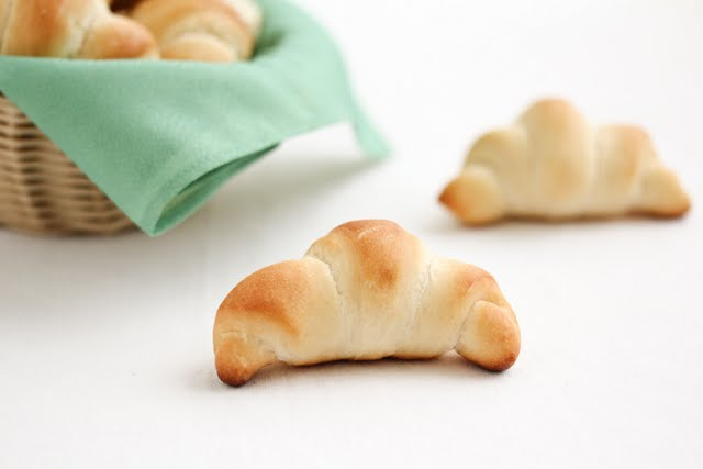 close-up photo of a crescent roll
