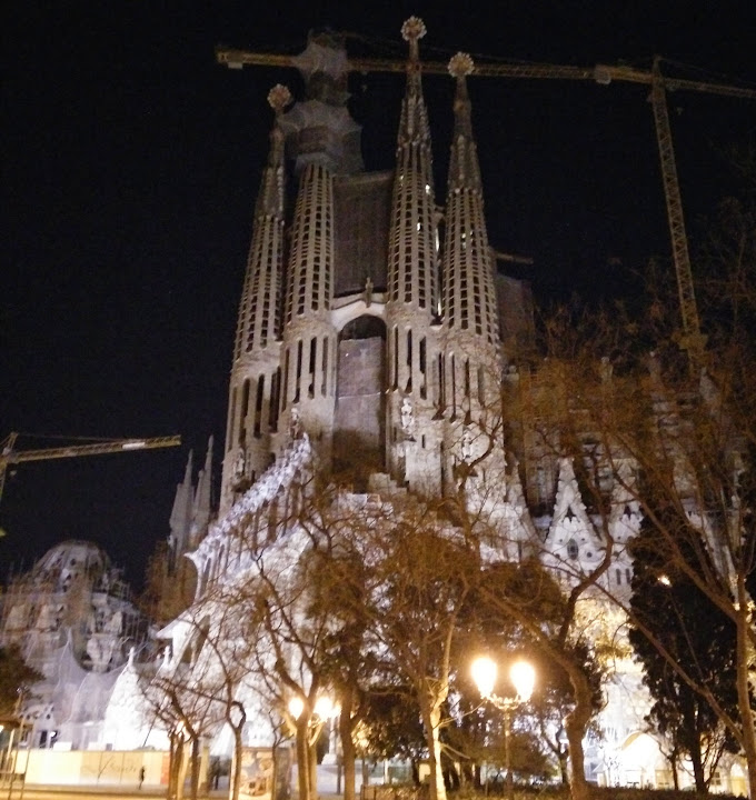 Sagrada Familia by night with cold shaky hands