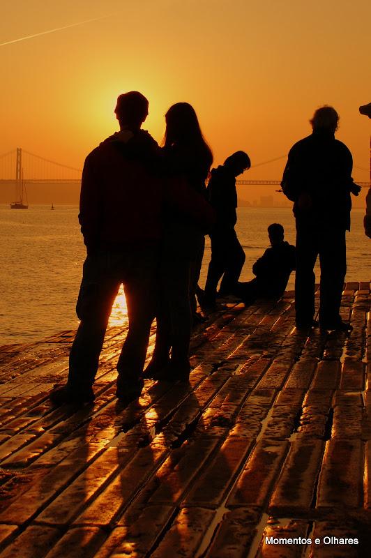Luz de Lisboa, amor no cais das colunas