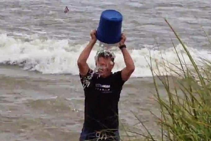 Linux Foundation y Red Hat aceptan el Ice Bucket Challenge