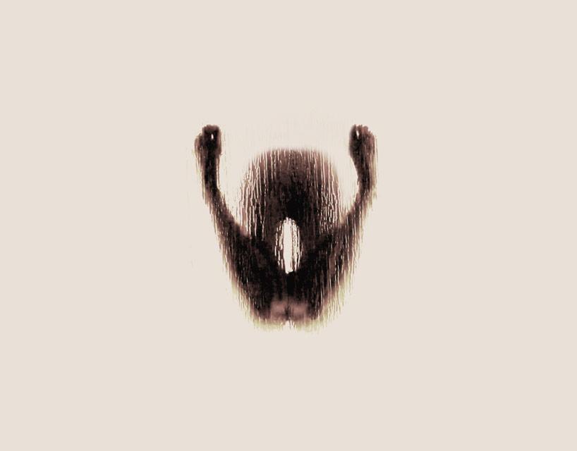*女性裸體字母剪影:希臘藝術家Anastasia Mastrakouli 解剖人體視覺奧秘! 24