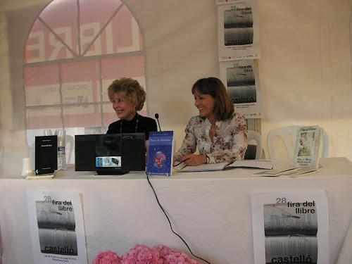 Presentación del Poemario 'Versos a la Naturaleza' en la Feria del Libro de Castellón.