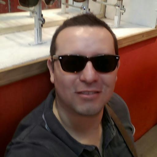 Manuel Saavedra Photo 32