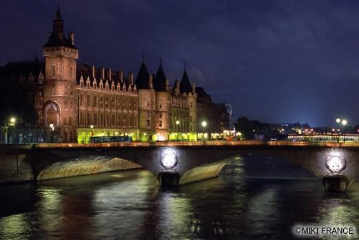 セーヌ川夜景(パリ)/イメージ