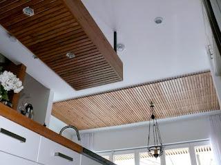 Thi công lắp đặt trần gỗ nhựa cửa hàng shop thời trang, quán cafe (Cà phê)