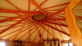 Yourte avec toit autoporté