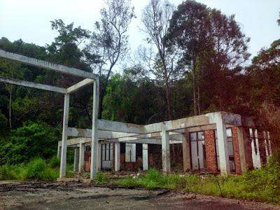 Abandoned building in Pedu Lake