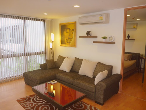 <a href='rent_room_bangkok_xvicondo.phtml'><b>XVI Bangkok:</a></b><br>stylish and peaceful oasis close to Asok (Sukhumvit). From 800 Baht / day.