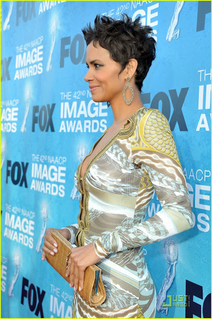 halle berry 2011 dress. ap staffnaacp Halle+erry+