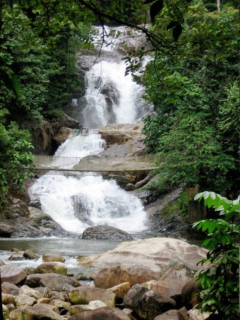 Air-Terjun-Sekayu-Waterfall