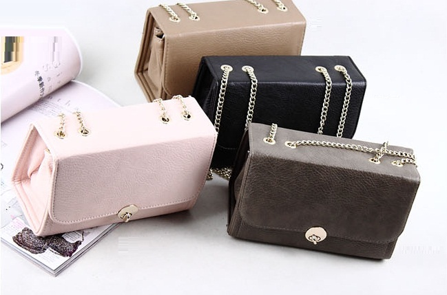 162e45940a8540 ArrogantMinnie Preorder - Footwear   Bags  The Boxy Twist Buckle Bag
