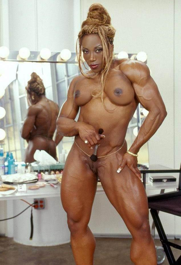 bar-body-builder-naked-women-with-man-make-a-sex-ass