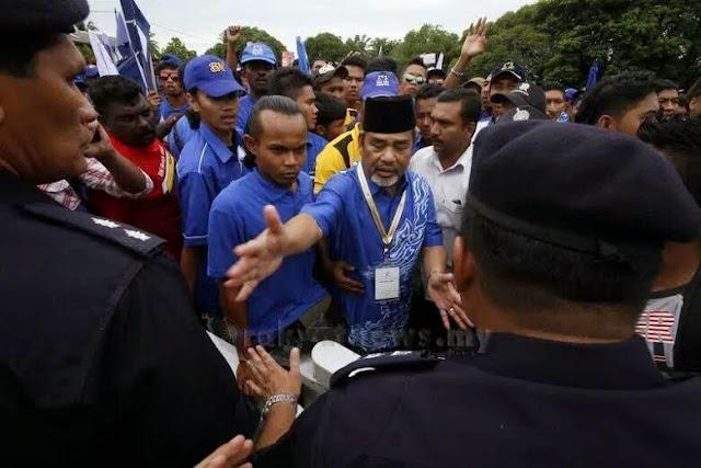 PRK Teluk Intan: Penyokong BN Serang Polis