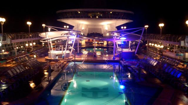 pileta crucero bahamas miami