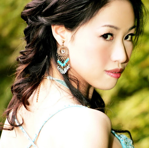 Catherine Huang Photo 31