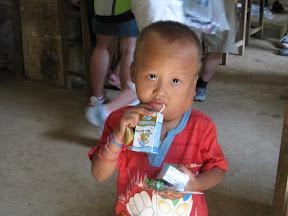 Wei Senbao Drinking Milk
