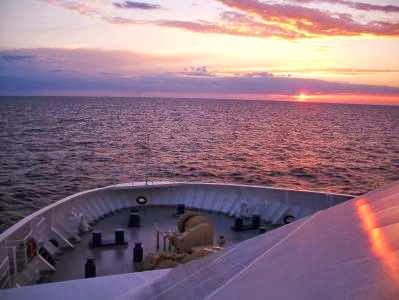 Sonnenuntergang in der Ostsee auf der Lisco Optima