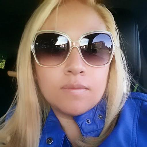 Yadira Flores