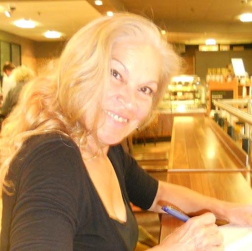 Diana Mckenzie Photo 21