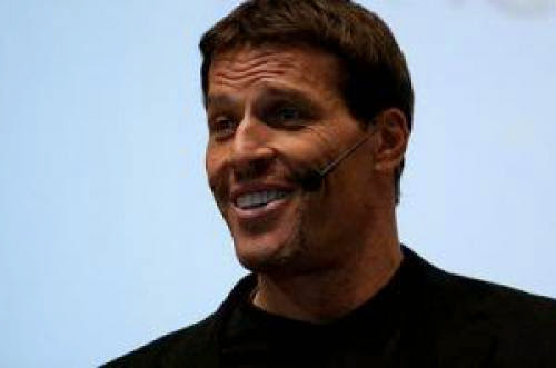 7 Amazing Lessons From Peak Performance Coach Tony Robbins