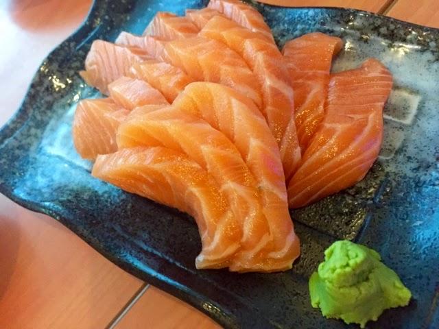 standing sushi bar salmon