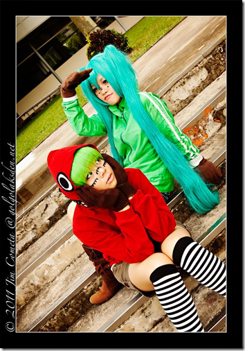 vocaloid 2 cosplay - gumi and hatsune miku