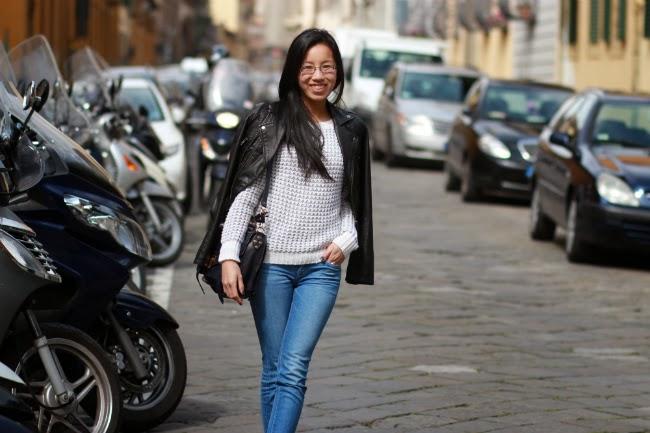 light denim jeans outfit
