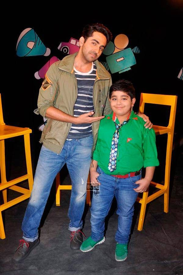 Ayushmann Khurrana with child actor Sadhil Kapoor on the sets of Disney's kids chat show Captain Tiao in Mumbai. (Pic: Viral Bhayani)