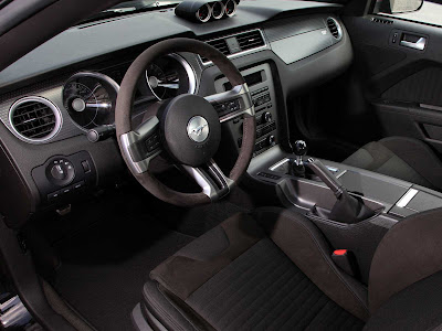 Ford-Mustang_Boss_302_2012_1600x1200_Interior