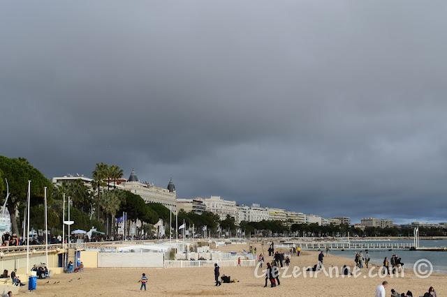 Cannes sahilindeki La Croisette