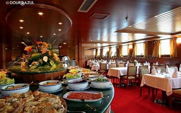 Новый Год в Португалии на борту лайнера-отеля