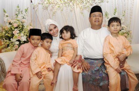 Anne Ngasri dan Mohd Sumali Reduan