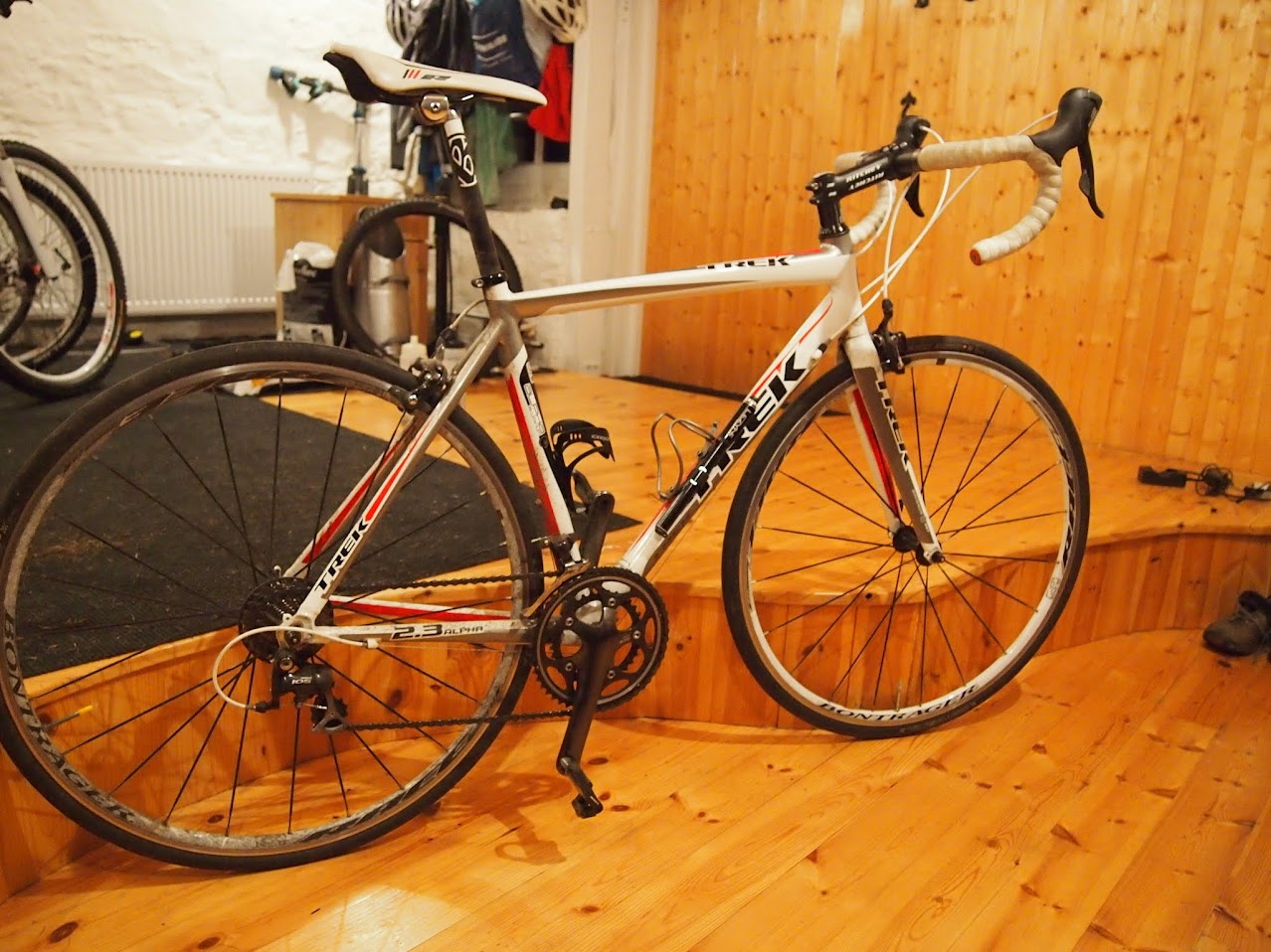 Fs Two Road Bikes Trek 2 3 Shimano 105 And Scott Cr1 Flat Bar