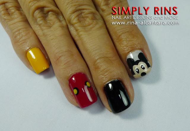 Mickey Mouse nail art design 02