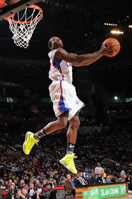 wearing brons nba lebron10 volt eric bledsoe 03 Wearing Brons: Eric Bledsoe Takes Flight in Volt LeBron Xs