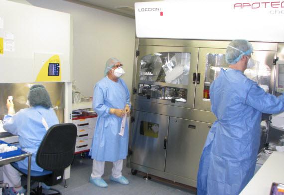 Preparación robotizada de los tratamientos de quimioterapia en el Hospital Clínico San Carlos