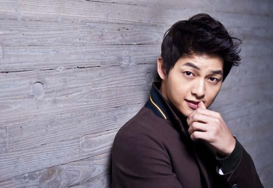"""Song Joong Ki từng suýt trượt vai trong """"Hậu duệ mặt trời"""""""
