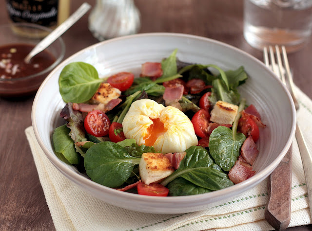 Receta de Salade Lyonnaise