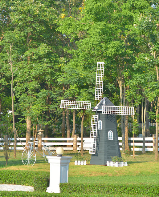 Phuthong Golden Hill-Windmill