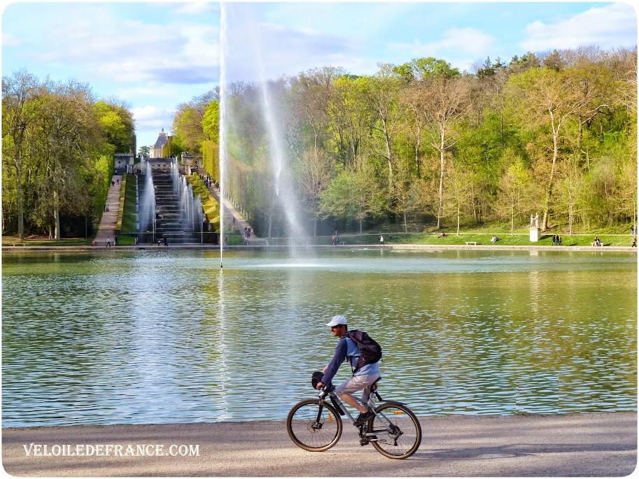 Le bassin de l'Octogone au Parc de Sceaux - E-guide balade circuit à vélo au Parc de Sceaux et villages par veloiledefrance.com